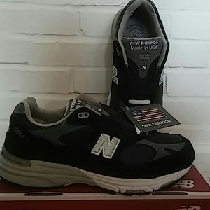 quality design bc1aa 088da NWT New balance MR993NV Sneakers NWT